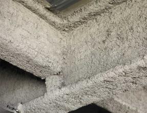 Zoom sur une structure métallique amiantée